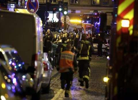 """""""العربية"""": ارتفاع حصيلة الهجمات الدامية في باريس إلى 60 قتيلا"""