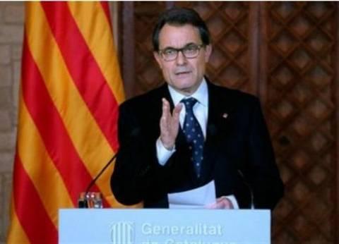 بث مباشر  كلمة رئيس إقليم كتالونيا حول استفتاء الانفصال