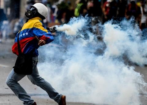 """إيلي تروي لـ""""الوطن"""" تفاصيل """"ليلة درامية"""" في فنزويلا: السياسة تقتلك هنا"""