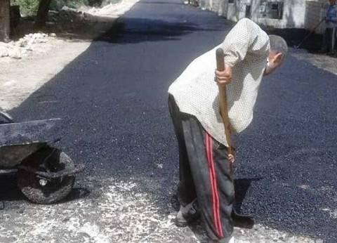 محافظ سوهاج: جار الانتهاء من رصف كيلومتر طرق بساقلتة بـ600 ألف جنيه