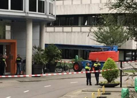 عاجل| أنباء عن مقتل شخص في عملية احتجاز الرهائن جنوب فرنسا
