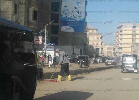 رئيس مدينة قلين تتابع حملة النظافة وتوصيل الصرف الصحي بكفر الشيخ