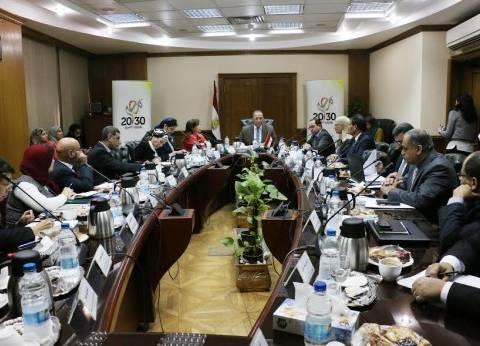"""""""العربي"""" يبحث مع ممثلين 9 وزارات تنفيذ """"رؤية مصر 2030"""""""