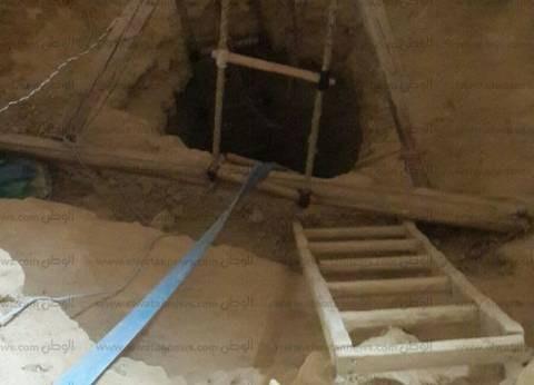 ضبط كشف أثري يوناني أثناء تنقيب شخص عن الآثار بمنزل في أخميم