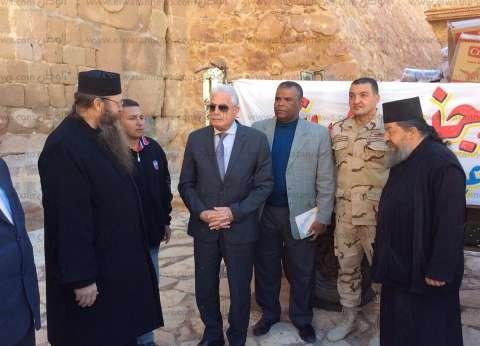 بالصور  محافظ جنوب سيناء: هديتنا لدير سانت كاترين 30 ألف جنيه