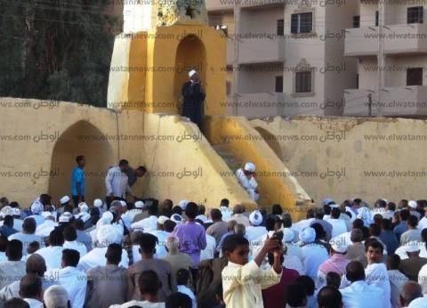 الآلاف يؤدون صلاة عيد الفطر في أسوان بالمساجد و83 ساحة