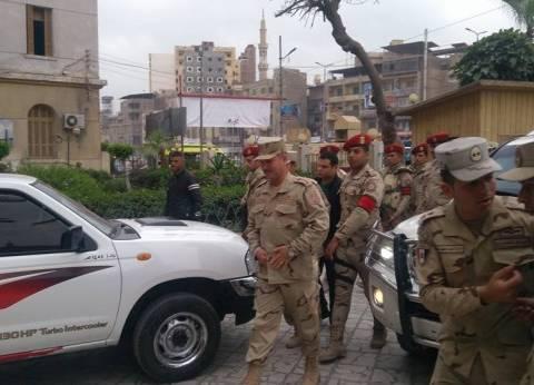 """قيادات عسكرية تتابع سير الانتخابات بالغربية.. والمواطنون: """"تحيا مصر"""""""