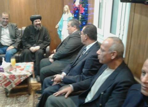 نائب محافظ القاهرة يترأس وفدا لتقديم التهنئة للكنائس بشبرا وروض الفرج