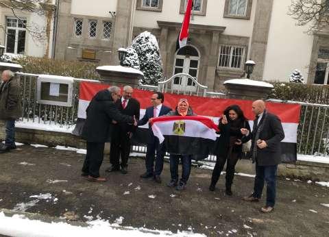 بالصور| المصريون بألمانيا يصوتون في الانتخابات رغم الثلوج