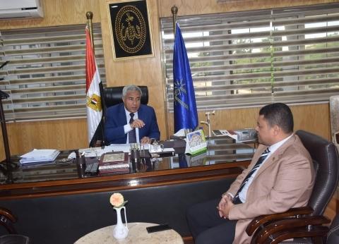 """محافظ أسوان يلتقي رئيس """"غاز مصر"""" لمناقشة توصيل الخطوط للأحياء السكنية"""