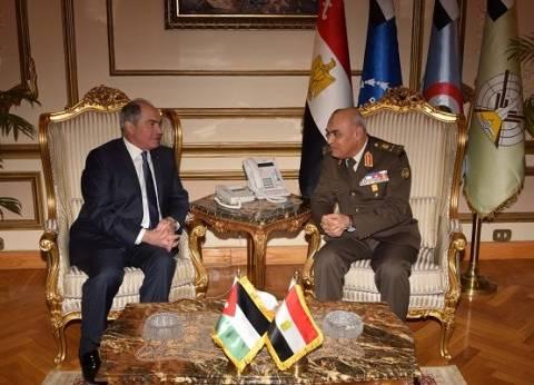 صور| المتحدث العسكري ينشر تفاصيل استقبال صدقي صبحي رئيس وزراء الأردن