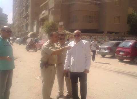 رئيس مدينة المحلة يوجه مساعديه لوضع إشارات مرور ضوئية بميدان المشحمة
