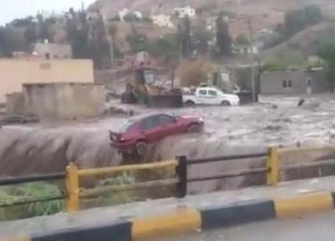 قلوب منفطرة ومنازل مهدمة.. أردنيون يروون قصصا مأساوية مع السيول