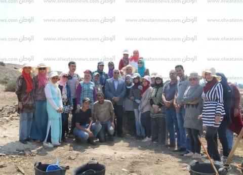 """طلاب جامعة كفر الشيخ يتدربون على الكشف عن الآثار في """"تل الفراعين"""""""