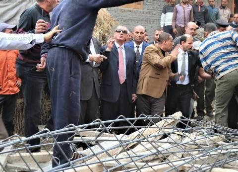 بالصور| محافظ كفر الشيخ يشهد حملة لإزالة التعديات على الأراضي