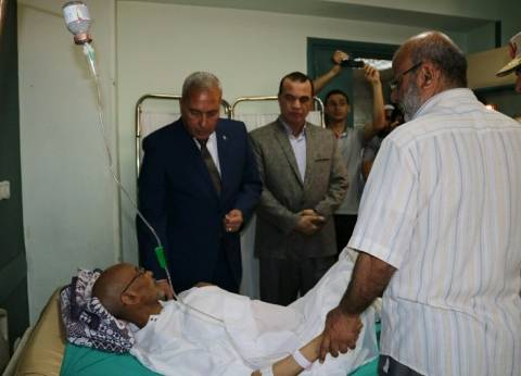 محافظ السويس يهنئ المرضى بمستشفى التأمين الصحي بعيد الفطر