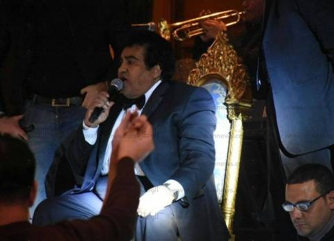 بالصور| أحمد عدوية يحيي حفل الكريسماس في أحد فنادق القاهرة