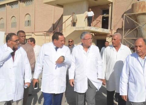 محافظ المنيا يتفقد محلج الأمير لتصدير الأقطان بالمنطقة الصناعية
