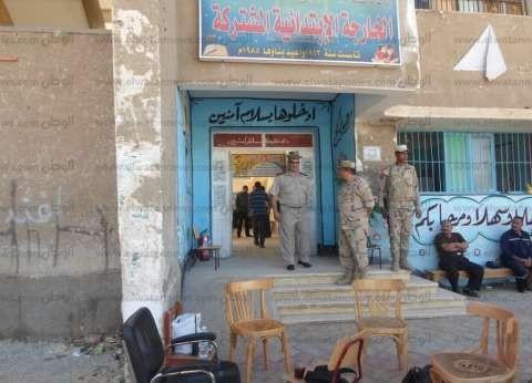 ضبط شاب يصور قوات تأمين اللجان في المنيا