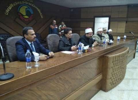 وزير الأوقاف يوزع 1000 بطانية على الأسر الفقيرة بالبحيرة