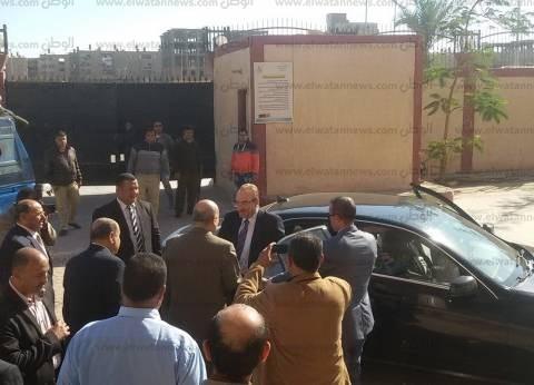 بالصور| محافظ بني سويف الجديد: الرئيس كلفني بالاهتمام بالمشروعات الاستثمارية