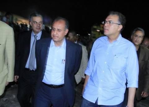 وزير النقل يتابع عمليات رفع آثار حادث قطاري الإسكندرية