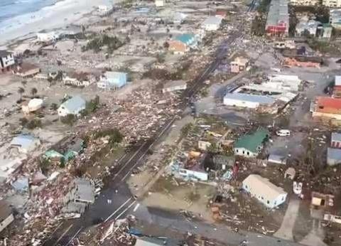 11 قتيلا في الإعصار مايكل.. وترامب يتعهد بأن تكون إعادة الإعمار سريعة