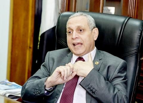 رئيس مصلحة الجمارك يصدر حركة تنقلات بمطار القاهرة الدولي