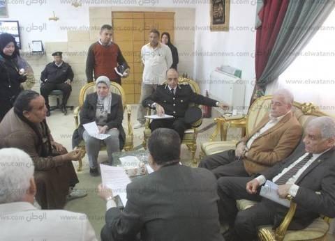 بالصور| فودة يلتقي بـ 50 مواطنا لحل مشكلاتهم على أرض الواقع بجنوب سيناء