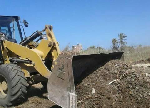 بالصور| إزالة التعديات على الأراضي الزراعية بعزبة البرج في دمياط