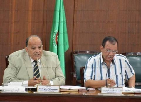 محافظ الدقهلية يطالب رؤساء الوحدات المحلية بعدم التحيز لمرشحي البرلمان