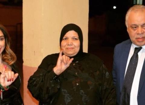 أشرف زكي وروجينا يصوتان في الانتخابات الرئاسية بميدان لبنان