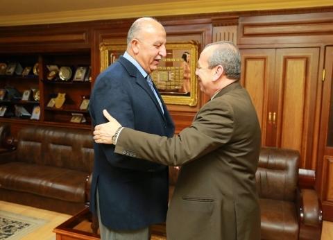 بالصور| محافظ كفر الشيخ يستقبل السكرتير العام قبيل توليه مهام منصبه