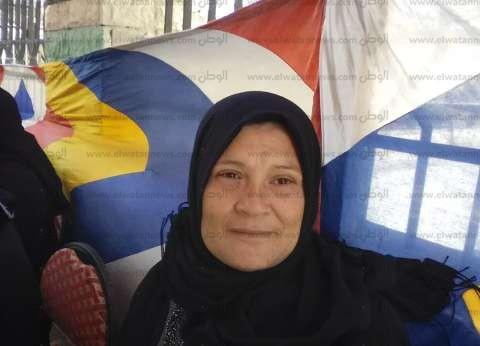 بالصور| سيدات دمياط في مهمة وطنية بالاستفتاء: من أجل الشهداء