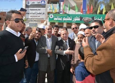 محافظ دمياط يتفقد سير العملية الانتخابية بمدينة كفر البطيخ