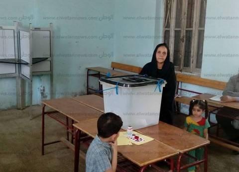 بالصور| فتح لجان قفط وقوص في قنا.. وإقبال ضعيف للناخبين