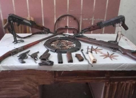 القبض على صاحب مصنع أعلاف مسجل خطر بحوزته أسلحة نارية بالغربية