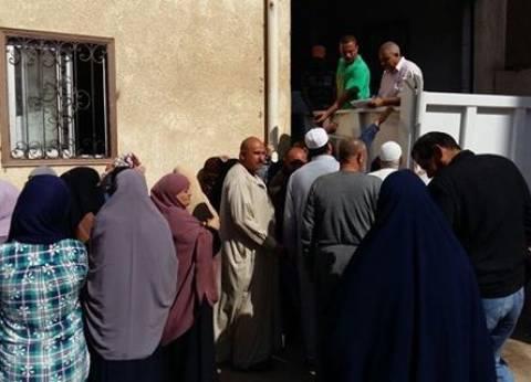 """توفير السلع الغذائية بأسعار مخفضة بمدينة """"السرو"""" في دمياط"""