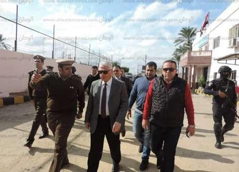 مدير أمن البحيرة يتفقد الخدمات الأمنية بمركزي رشيد وإدكو