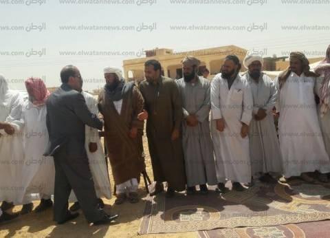 مدير أمن مطروح يقدم واجب العزاء في كبير قبيلة القطعان بسيدي براني
