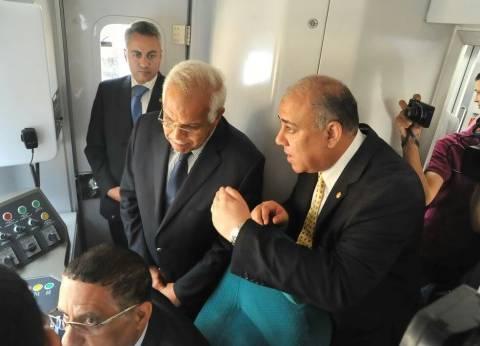 وزير النقل يشهد تشغيل قطار مكيف جديد بالخط الأول لمترو الأنفاق
