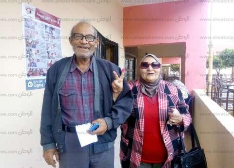 إقبال كثيف من الناخبين داخل اللجان الانتخابية بحي النزهة