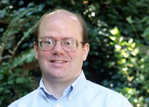 """مؤسس """"ويكيبيديا"""" يدعو لمقاطعة مواقع التواصل الاجتماعي"""