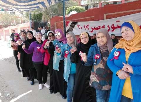 بالصور| إقبال كثيف بلجان الاستفتاء ببورسعيد