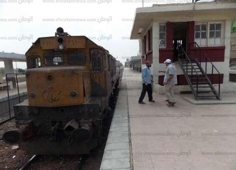 عودة حركة السكك الحديدية بعد توقفها لخروج قطار عن القضبان في المنيا