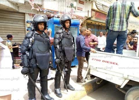 """حملة إزالة صباحية لفرشات الباعة الجائلين بـ""""هانوفيل"""" الإسكندرية"""