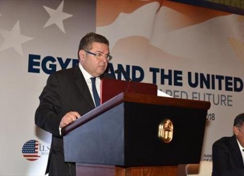 هشام توفيق: نحتاج ملياري دولار لتطوير قطاع النسيج