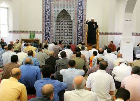 إمام مسجد يدعو المواطنين من خلال مكبرات الصوت للمشاركة في التصويت بالشرقية