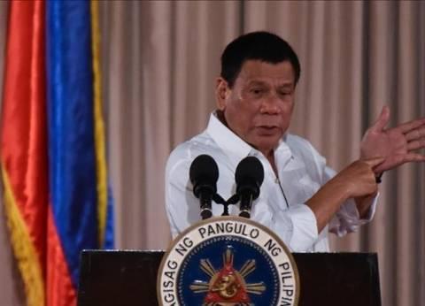 رئيس الفلبين يمنع مواطنيه من العمل في الكويت