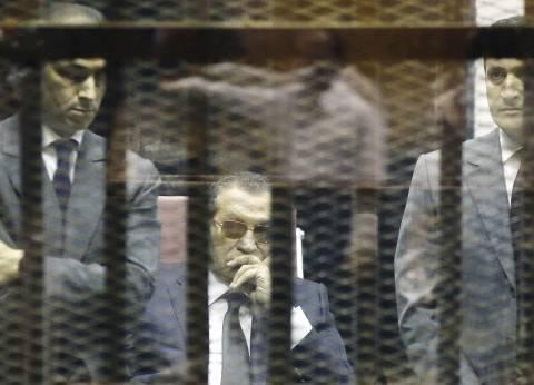 """مدير أمن القاهرة لقاضي """"قتل المتظاهرين"""": تعذر نقل مبارك للمحكمة لحالته الصحية"""